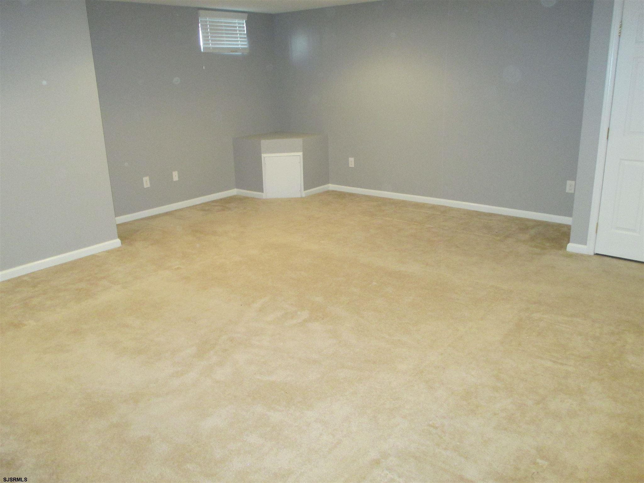 154 Meadow Cir - Picture 17