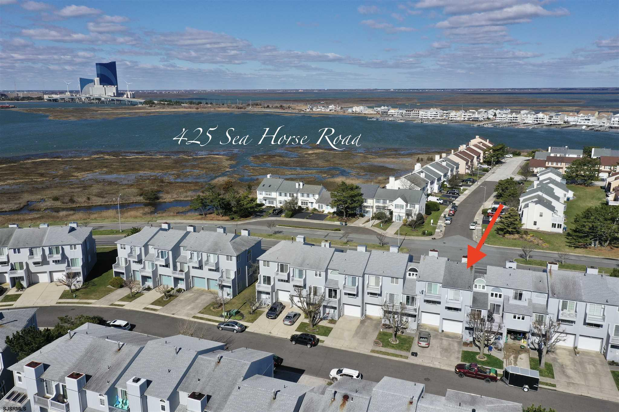 425 Sea Horse Road - Picture 1