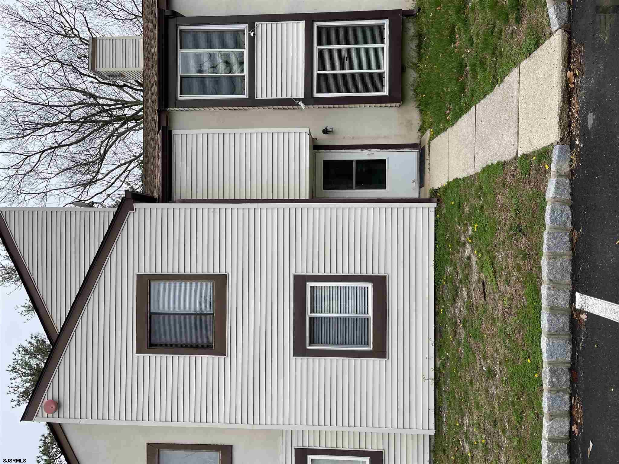 Welcome to 2421 Arbor ct. This unit has a fenced in patio, stainless steel appliances, washer, dryer