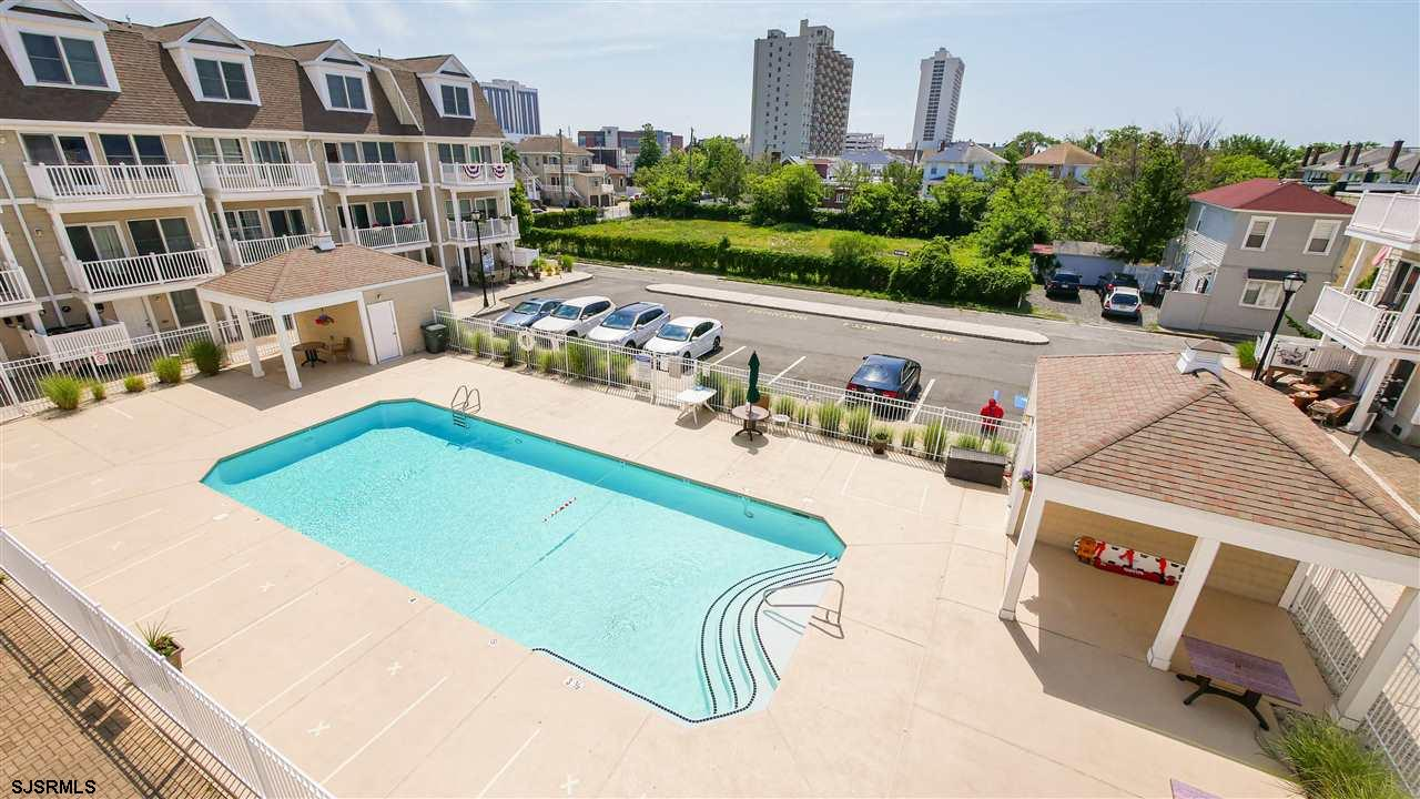 Welcome to 40 Chelsea View, This townhouse has it all bay and pool views and a dock...  There is a l