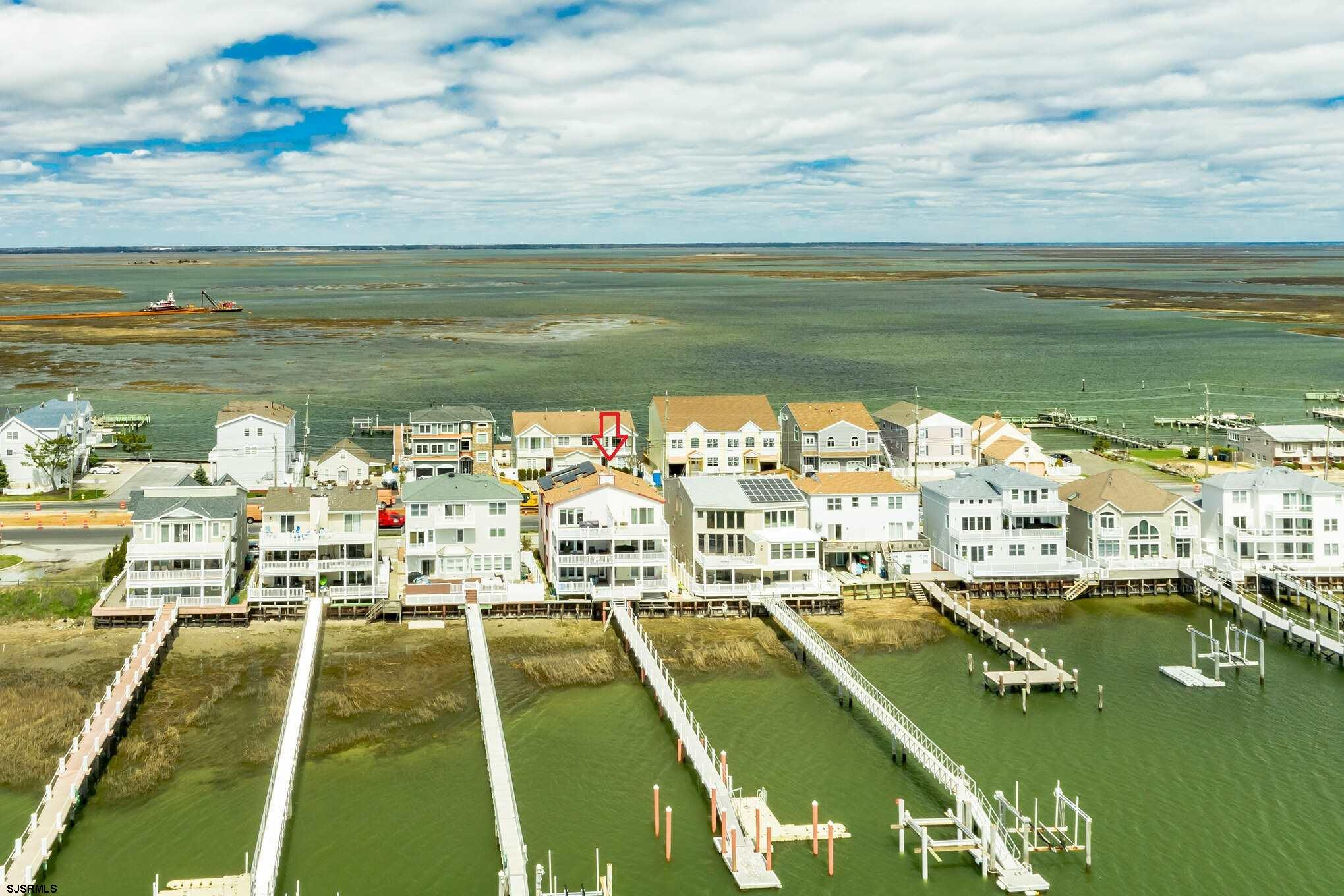 BAY & BOAT LOVERS - This is for you! Wonderful bayfront property with 3 decks overlooking the St Geo