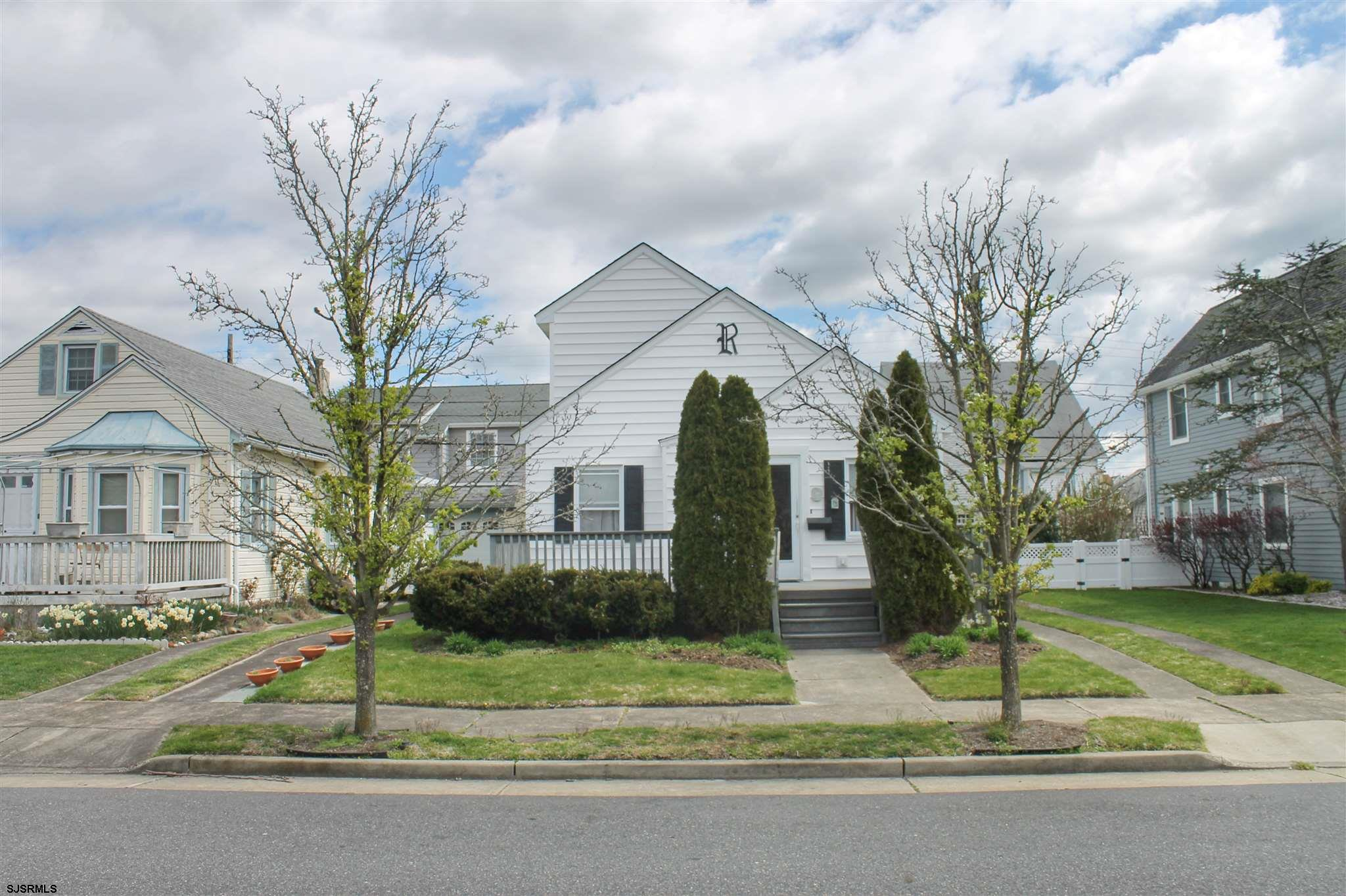 Wonderful Parkway street Home.  Cute move-in ready for summer 2021.  Home is located on a 41' x 80'