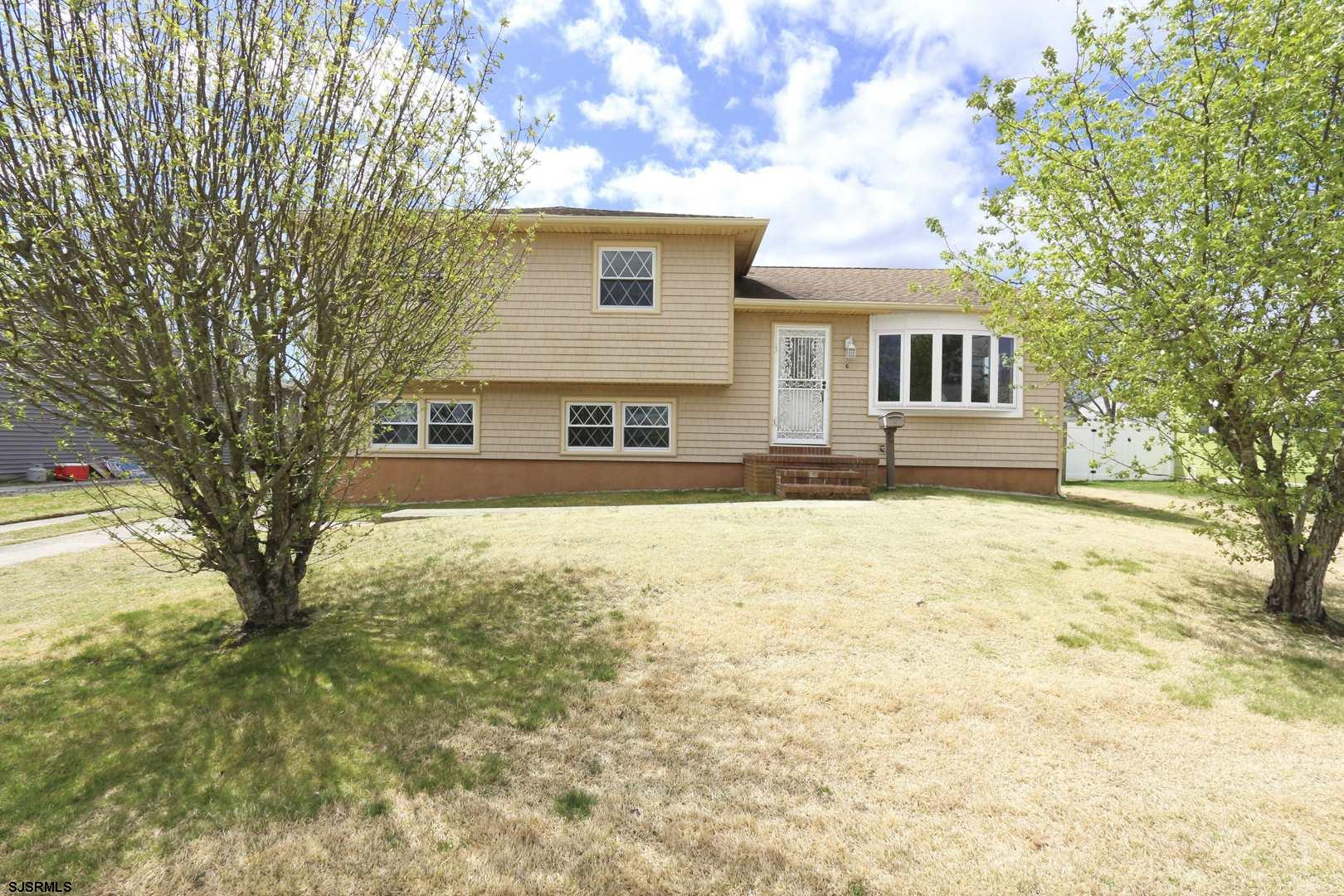 WELCOME HOME!!!  This Charming Split Level Home Features Plenty of Space for the Entire Family.  Fea