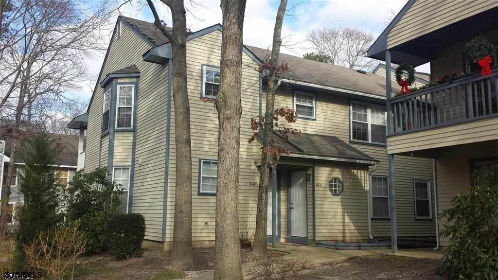 INVESTOR ALERT : Sought after 2nd fl 2 bed 2 bath End unit at Hunting Run condo in Smithville. Home features a large great room with dining area , sliders to the private patio perfect to enjoy your morning coffee. Newer windows, Gas heat, central air. Updated appliances and bathrooms . Newer carpet(not reflected in pictures, was replaced after pictures were taken). Plenty of closet space. Master bedroom with private bath. Enjoy all the Smithville amenities including 2 pools, clubhouse, gym, saunas,(currently closed due to covid 19 restrictions )tennis and bball cts, walking and bike paths. Like a vacation everyday. Assoc fee includes the water bill, trash and snow removal, and all the amenities. Walking distance to transportation, Smithvill