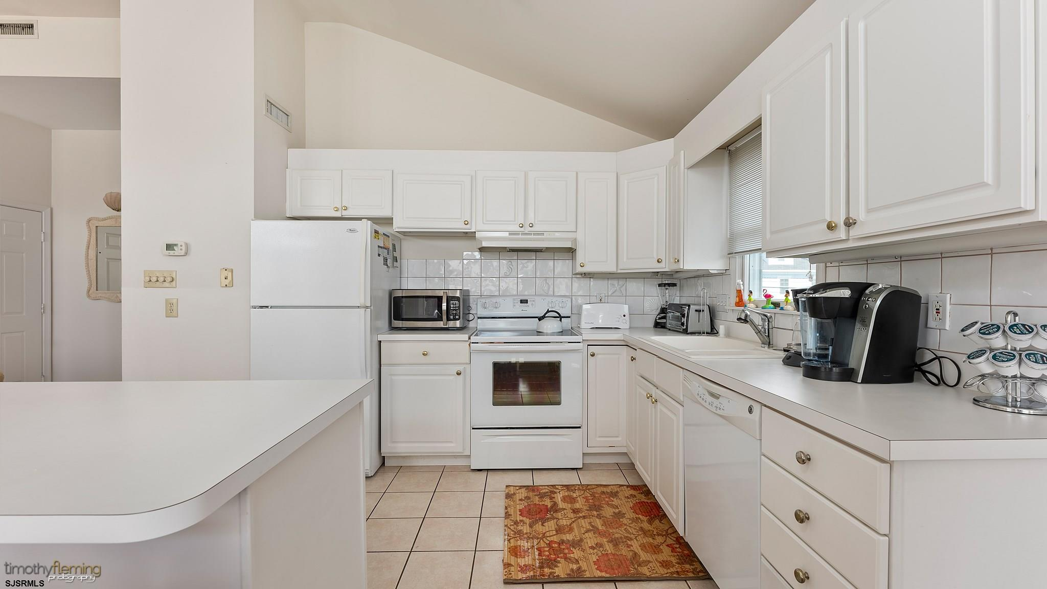 2842 Asbury Avenue - Picture 8