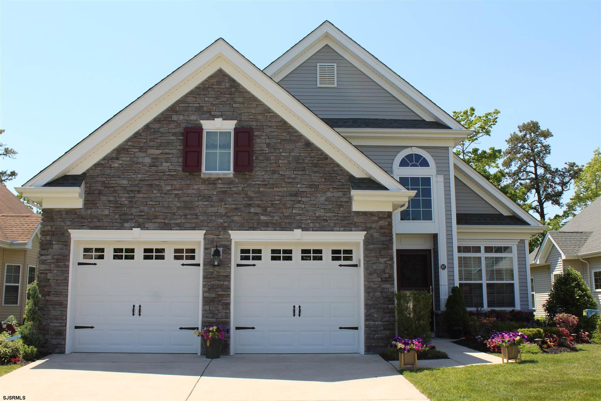 107 BLUEBELL Dr - Picture 1