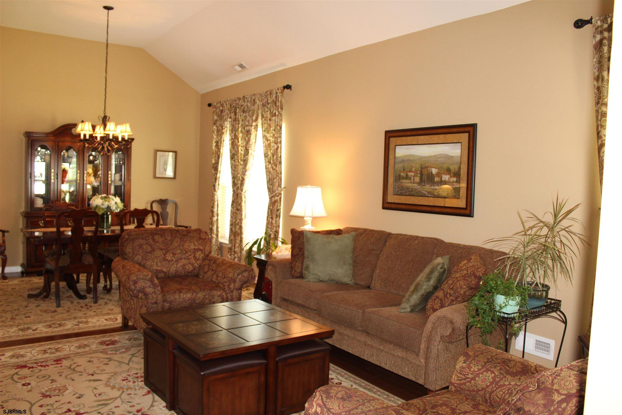 107 BLUEBELL Dr - Picture 4