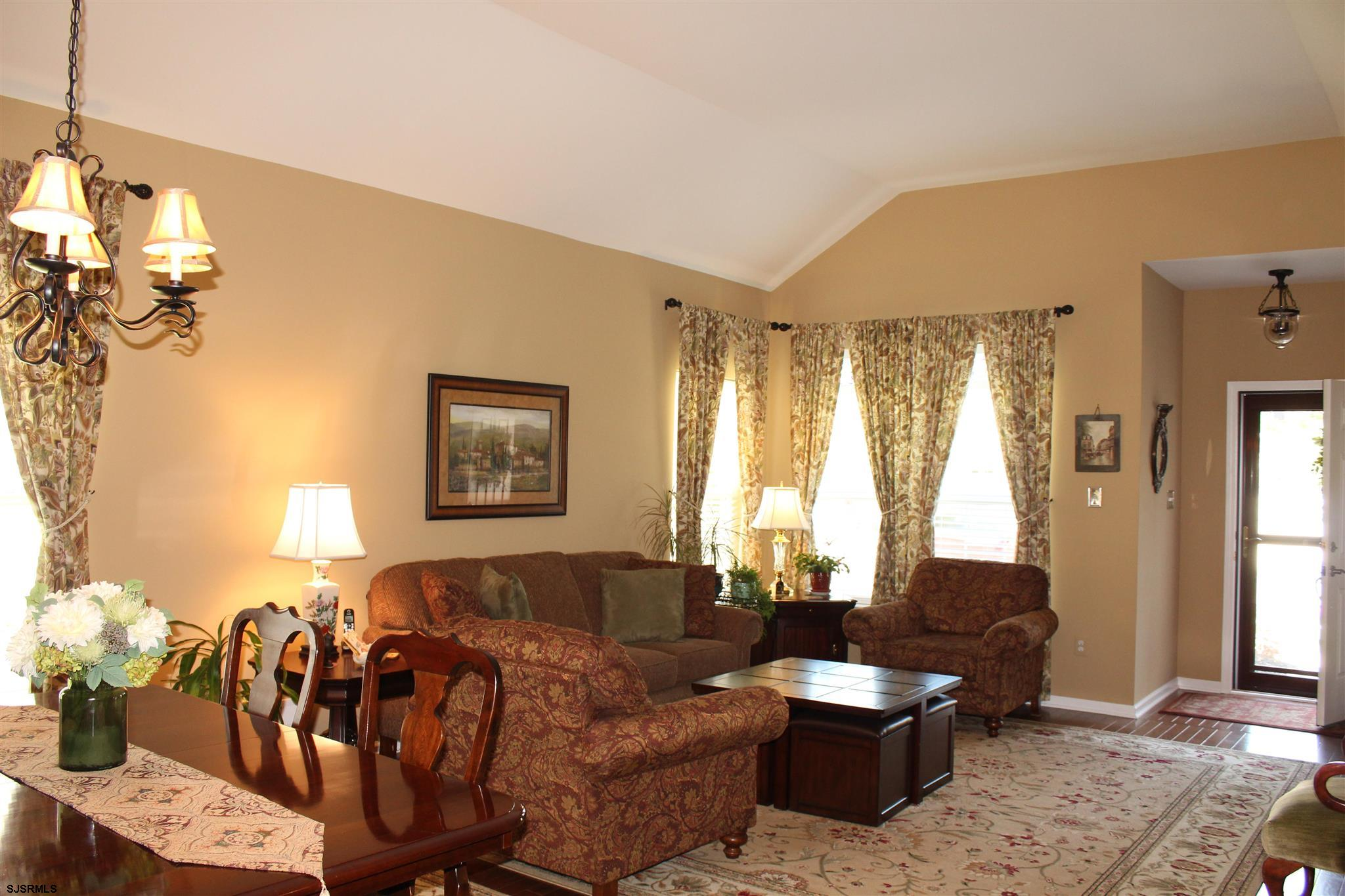 107 BLUEBELL Dr - Picture 5