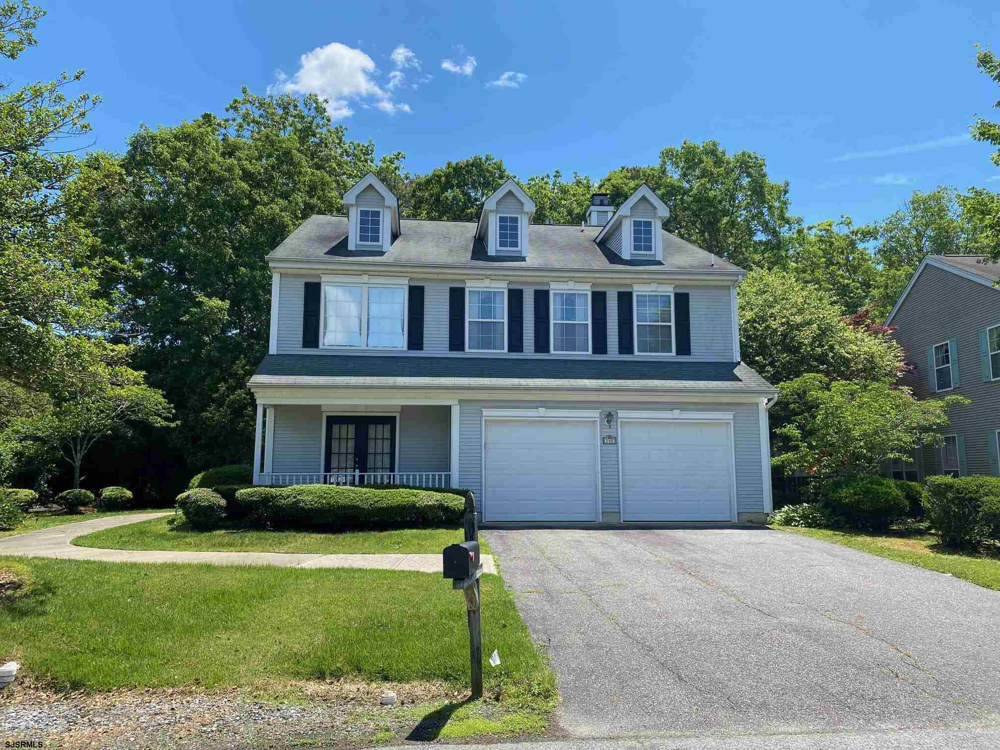 Don't miss this well-maintained 4br/2.5ba colonial with 2 car garage in desirable Moss Mill Hollow!