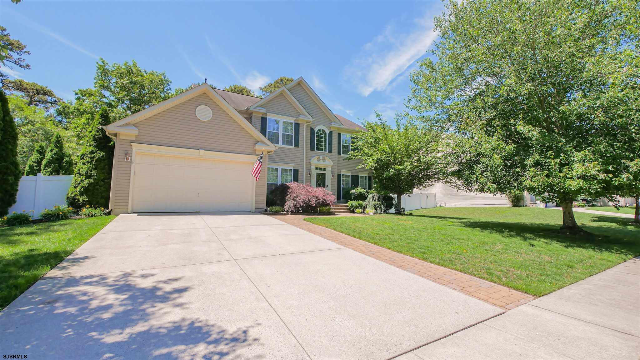 """Happiness and Memories will """"Blossom"""" in this Spacious 4 bedroom single family home in EHT with full"""