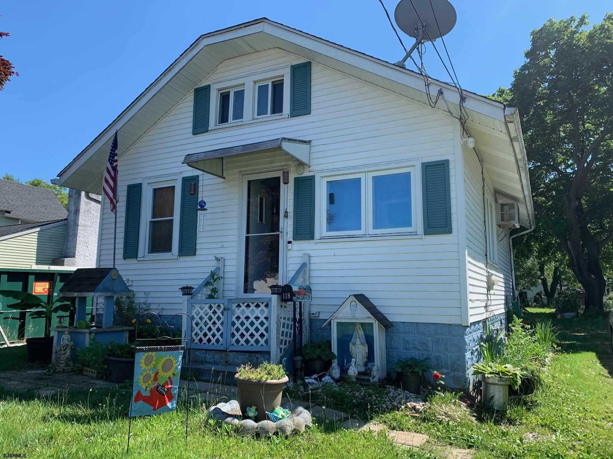 Nowhere else can you find a property under $150,000 in Hammonton..UNTIL NOW! This Quaint 2BR, 1BA is