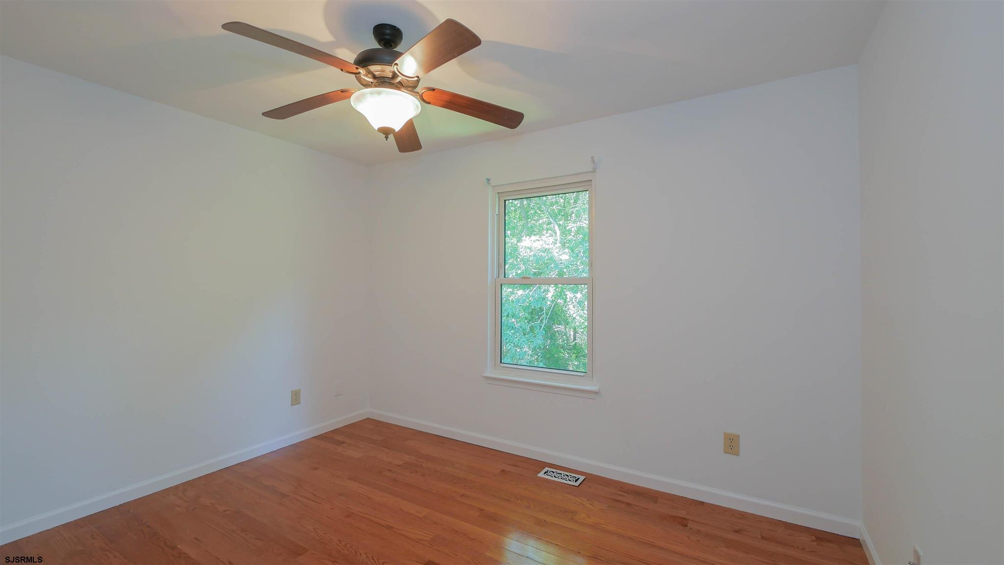 553 Holly Brook Road - Picture 17