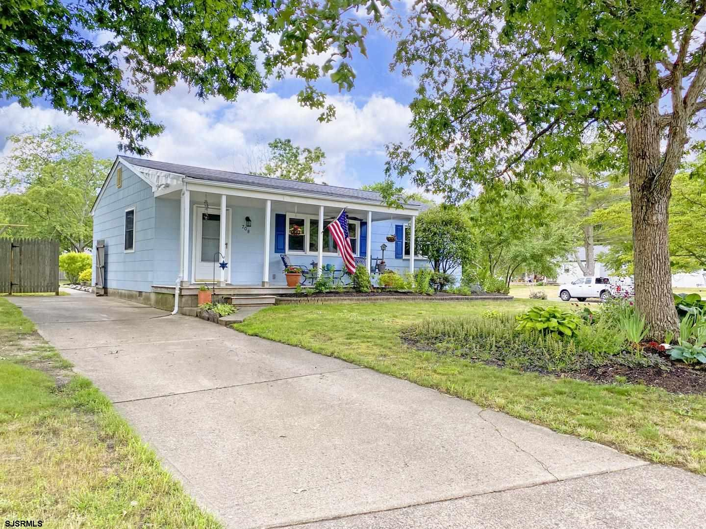 LARGE CORNER LOT RANCHER!!!  Don't Miss Your Chance to Own This Spotless 3 Bedroom 1 Bath Home in a