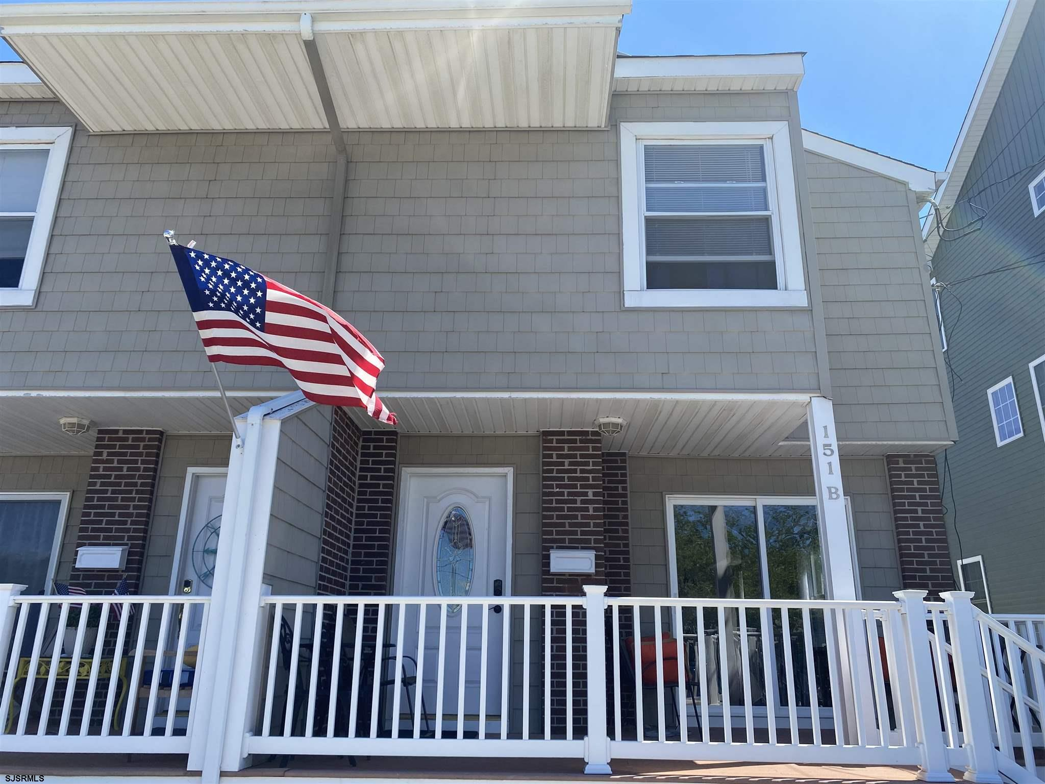 Perfect Corner Property 3 bedroom s, 1.5 bath  townhouse. Generating  summer income. Freshly painted