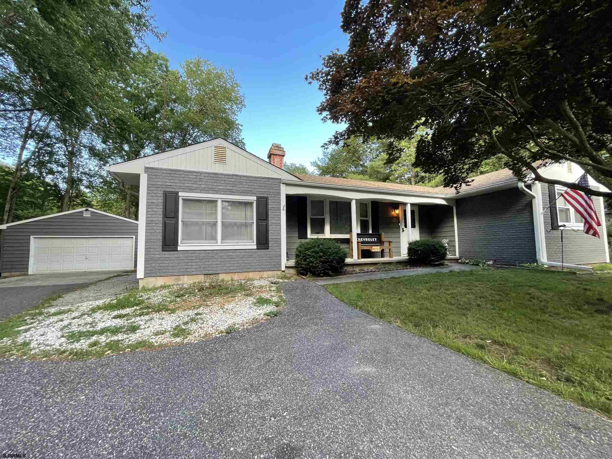 Beautifully Maintained 3bd 2ba Ranch on 2.5 acres with an Open Living room, dining room, and kitchen