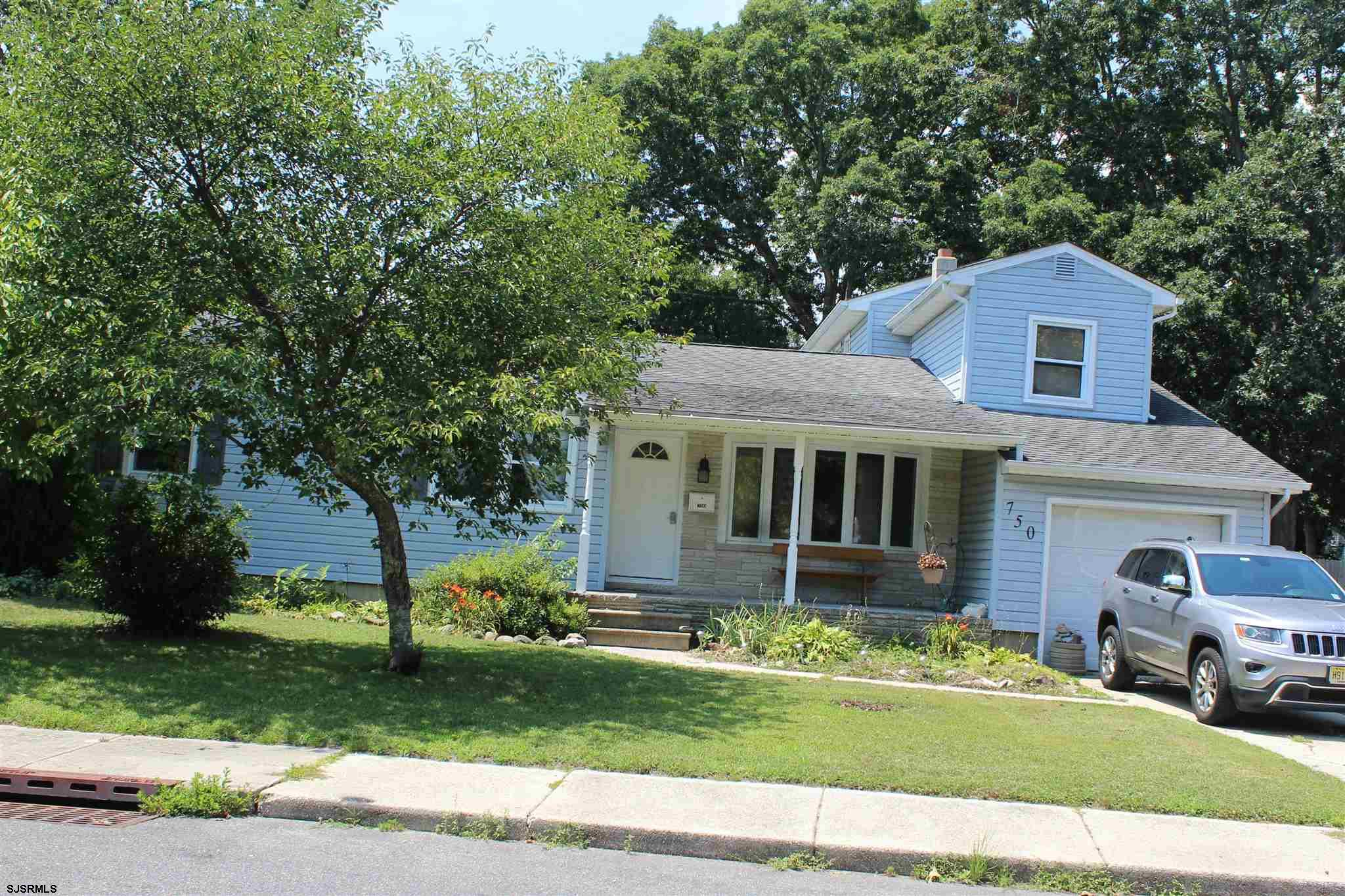 Very desirable and private neighborhood. Open concept and newly renovated kitchen with 6 burner gas