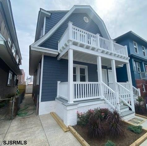 SECOND FLOOR COMPLETELY RENOVATED! 2nd floor of duplex with 2 bedroom, 1 bath. BAY VIEWS right from
