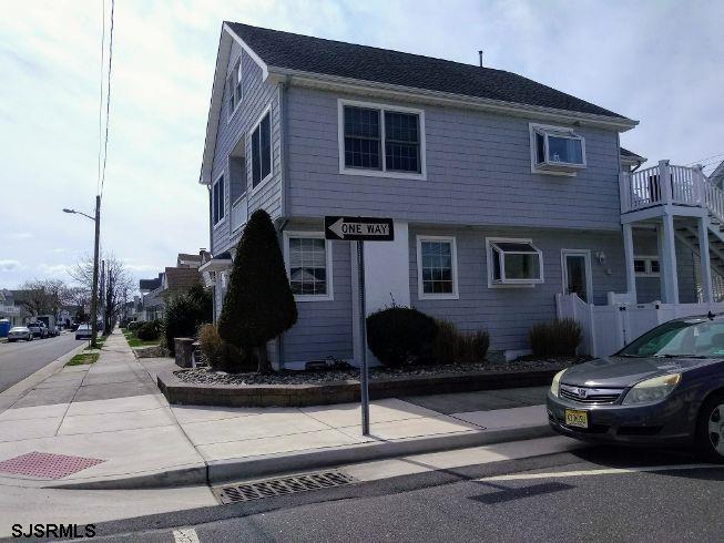 20 N Swarthmore Ave, Ventnor, NJ 08406