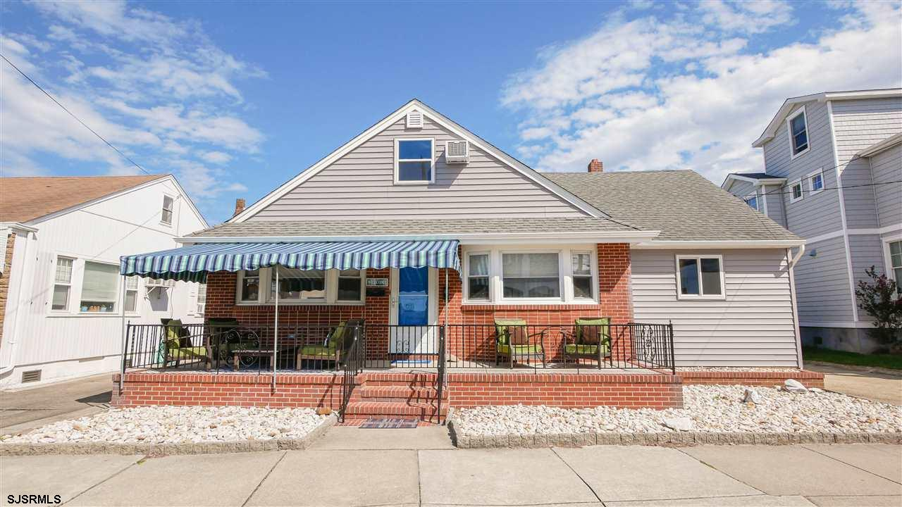 25 N Clermont Ave, Margate, NJ 08402