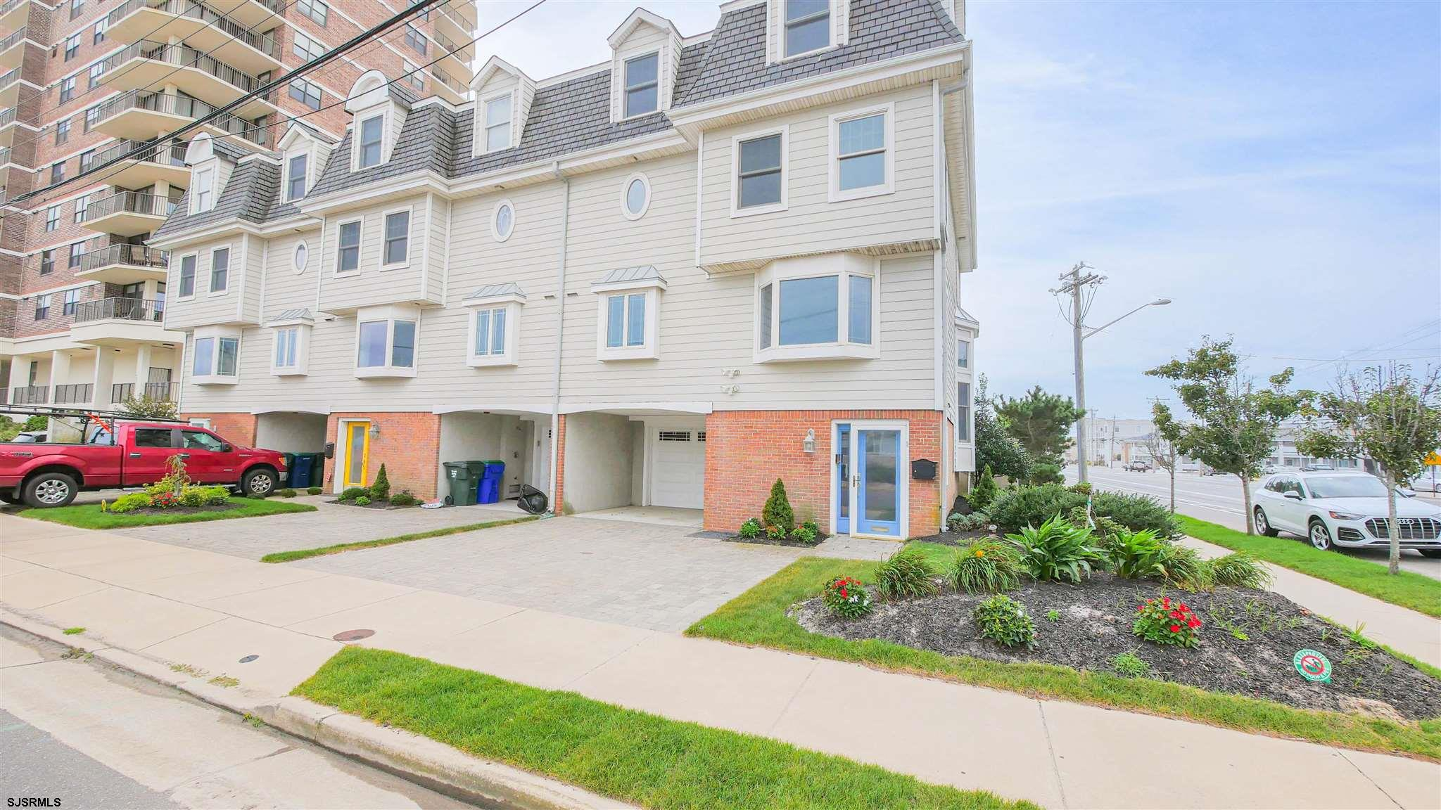 9100 Atlantic Ave, Margate, NJ 08402