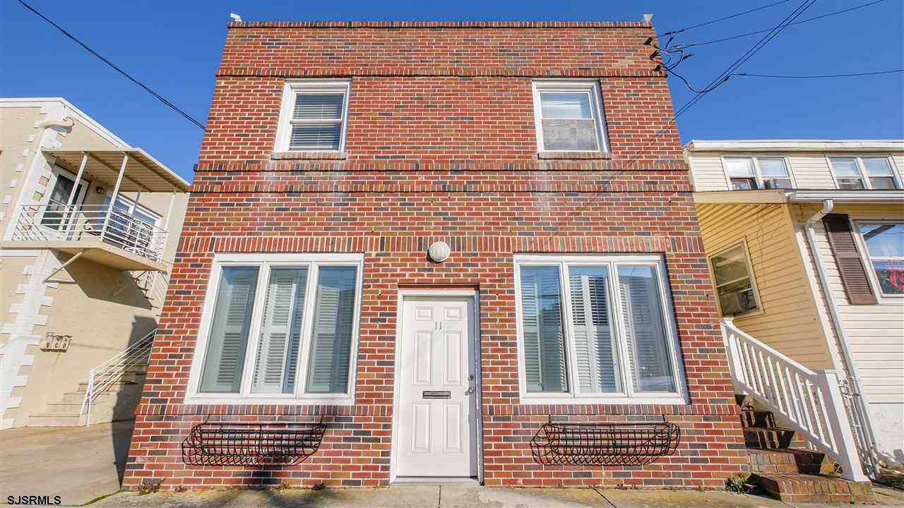 11 S Washington Ave, Margate, NJ 08402