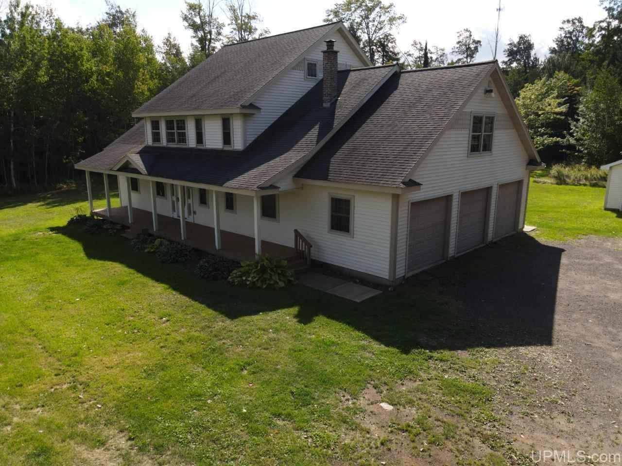40947 N Entry Rd, Chassell, MI 49916