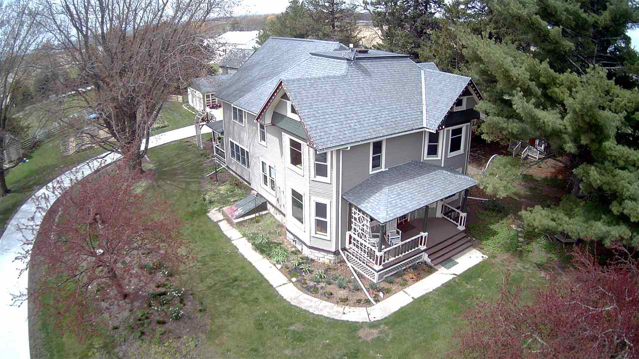 2275 Co W42 Road, Decorah, IA 52101
