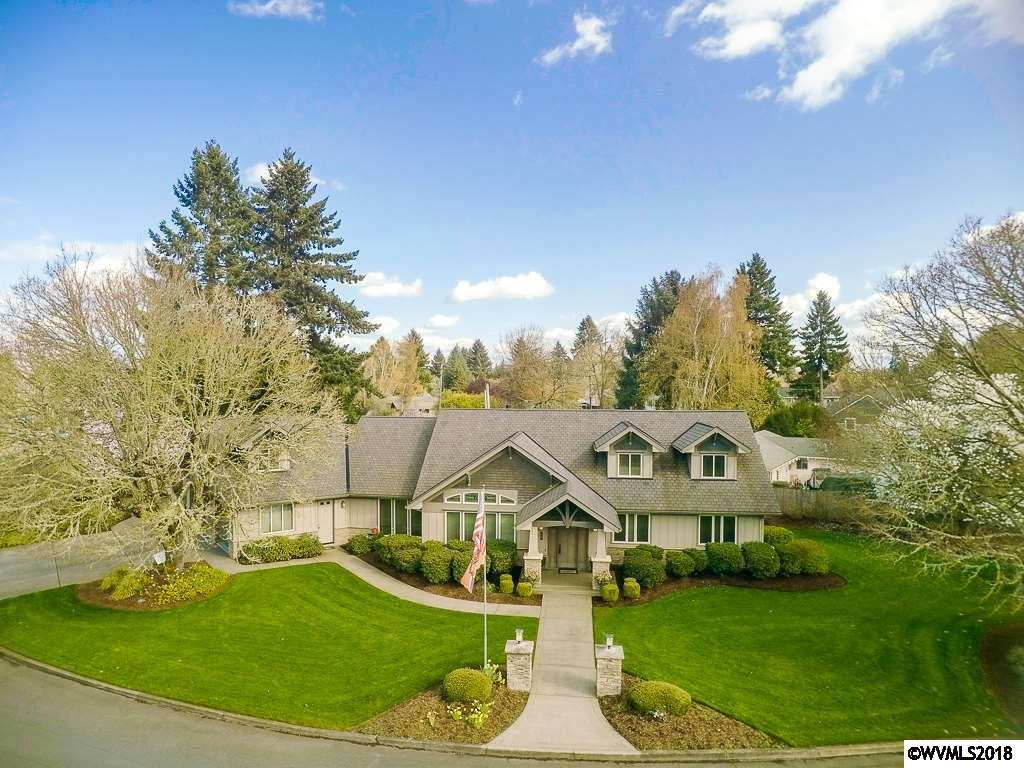 172  Country Club Albany, OR 97321