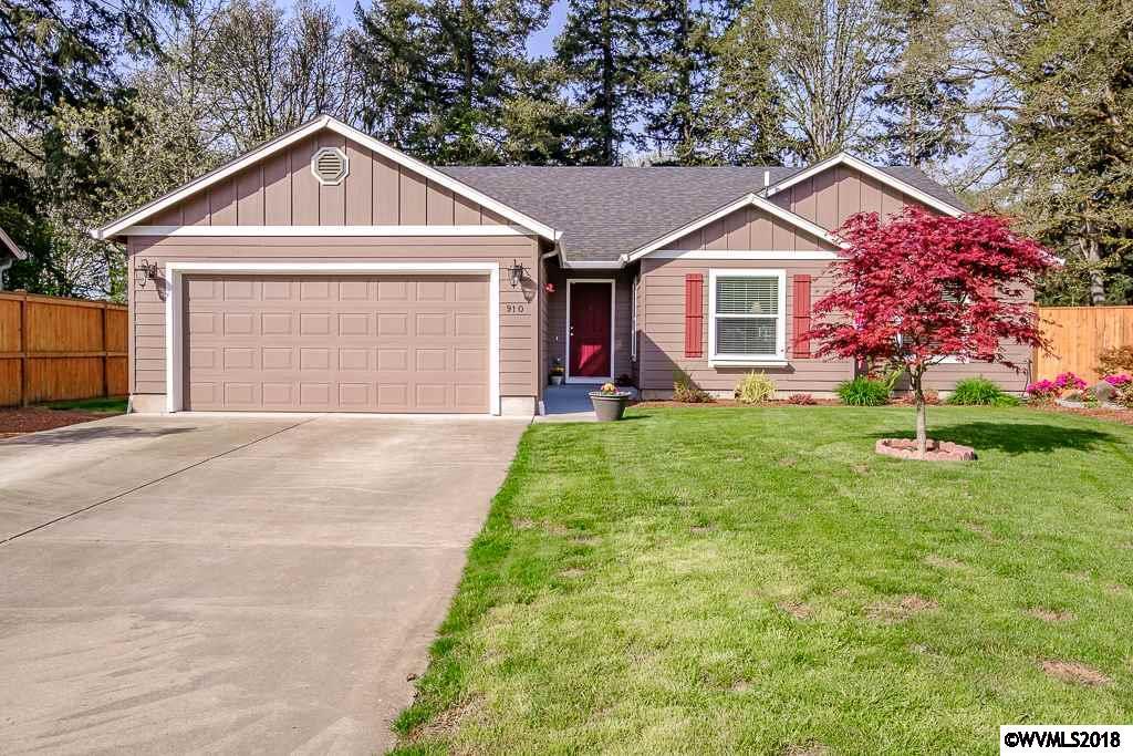 910  Oakmont Albany, OR 97322