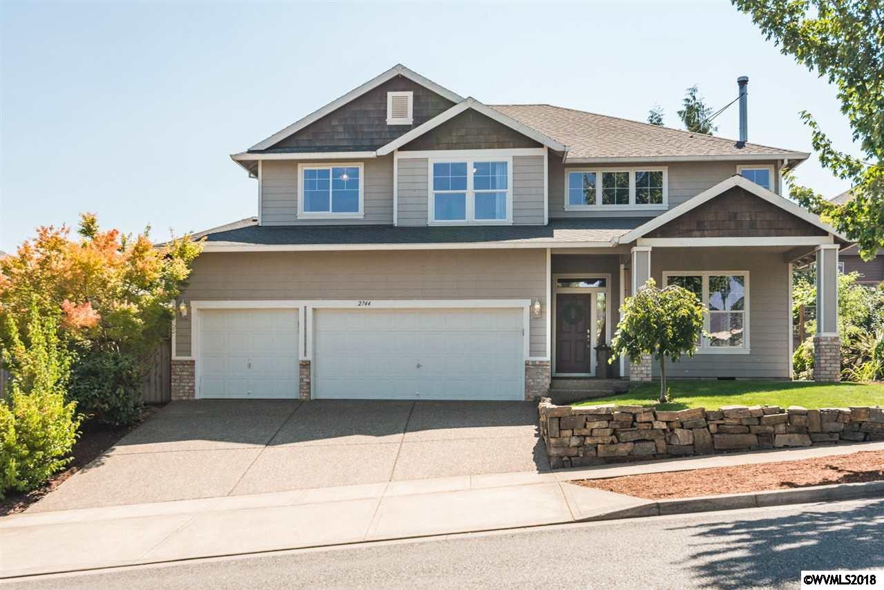 2744 Bald Eagle Salem, OR 97304