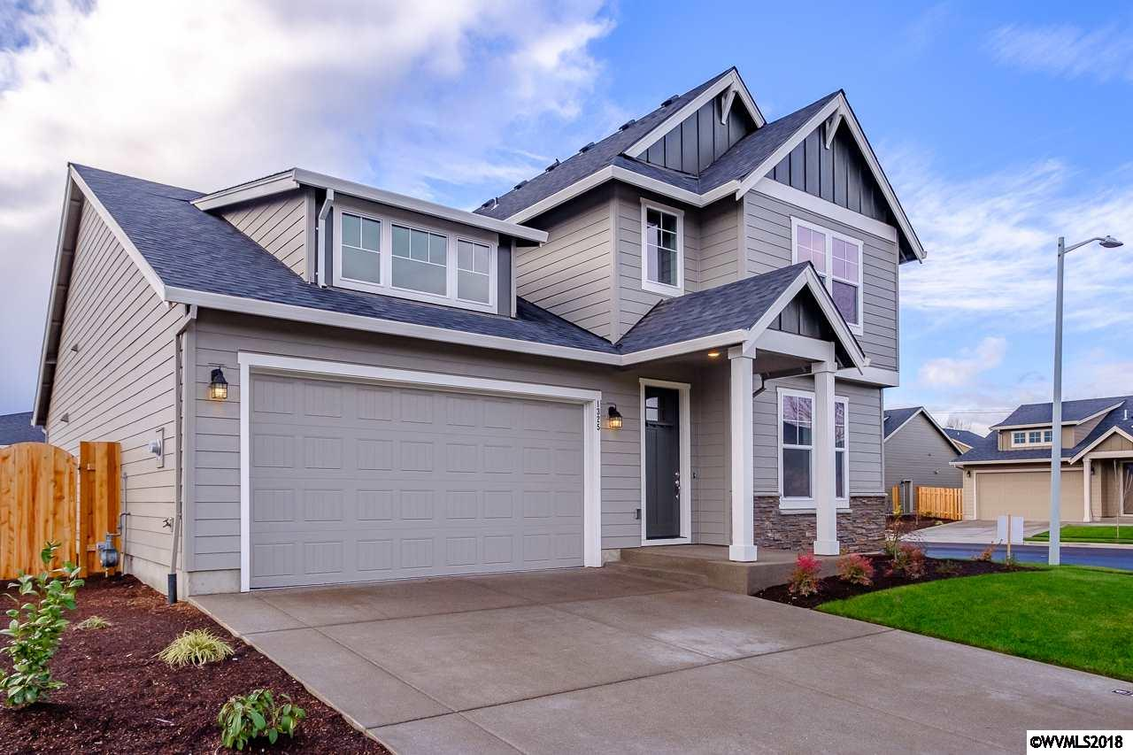 1325 Sunflower Woodburn, OR 97071
