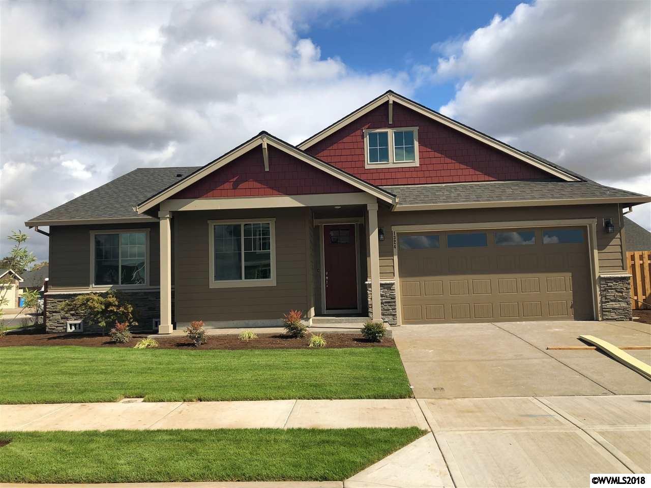 1324 Sunflower Woodburn, OR 97071