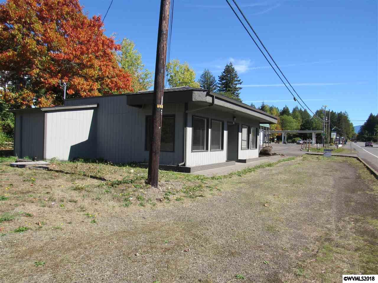 415 NE Santiam Mill City, OR 97360