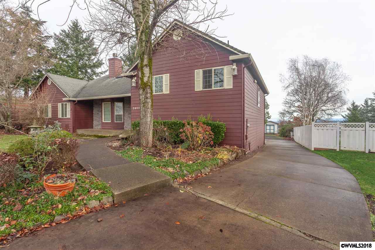 2955 Foxhaven Salem, OR 97306