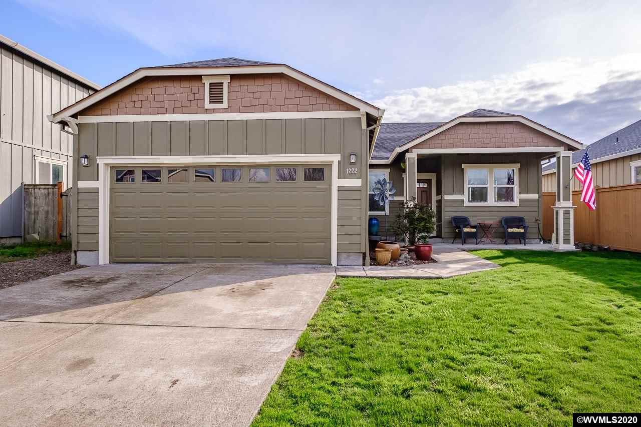 Well maintained 3BR 2 bath home in lovely, family friendly neighborhood. Boasts pride of ownership throughout. Quiet street, only 2 entrances to the neighborhood with very little through traffic. Fresh exterior paint in March 2020. Open floor plan great for entertaining or just relaxing with the family. 2 car garage. 9' ceilings in the family room. Covered patio out back. Come see it today and imagine calling it home!