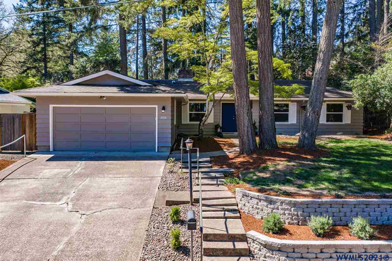 This attractive 3 bedroom / 2 bathroom home located in the desirable Witham Hill area is a must see! Located near Woodland Meadows Park and schools, you'll love the convenient location with a woodland feel. Don't miss the virtual tour link.