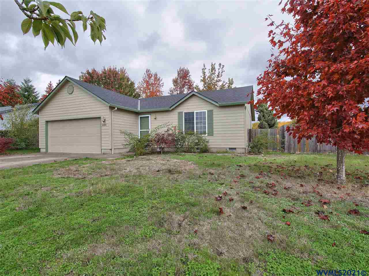 Don't miss out on this opportunity....This home is close to shopping and not too far from OSU. Perfect for an investment rental or a great neighborhood for a homeowner. Recent upgrades include new roof and exterior paint,2020 gas furnace, and 2018 gas water heater.  Open house 10/23/2021 1:00-3:00pm
